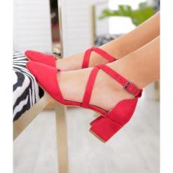 Kırmızı Çapraz Bantlı Topuklu Ayakkabı Süet